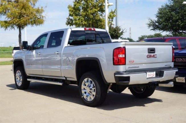 2018 New GMC Sierra 2500 Denali Crew Cab full