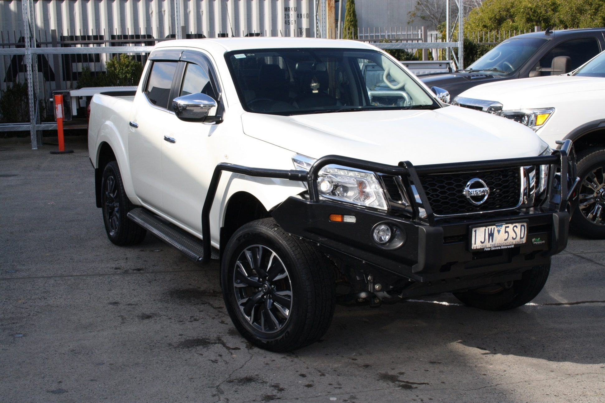 2017 pre owned nissan navara d23 series st n sport american cars trucks suvs rhd. Black Bedroom Furniture Sets. Home Design Ideas
